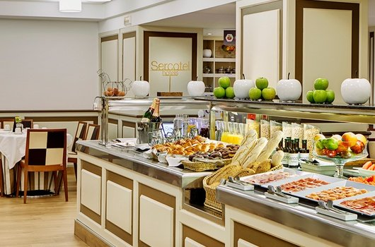 Enjoy our generous buffet and start the day with energy.